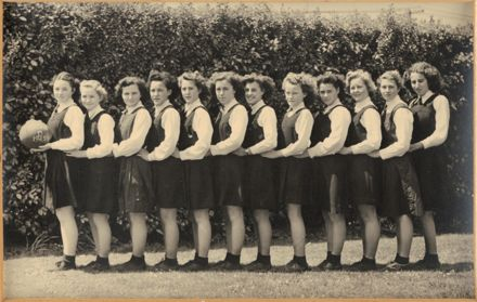 Palmerston North Technical School Netball D, 1945