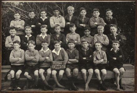 Terrace End School - Standard 3, 1933