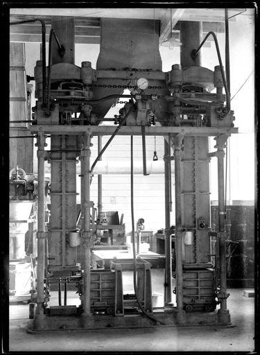 Unidentified Machine