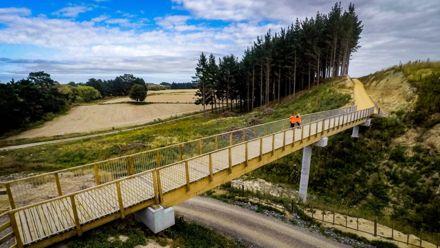 He Ara Kotahi pathway bridge