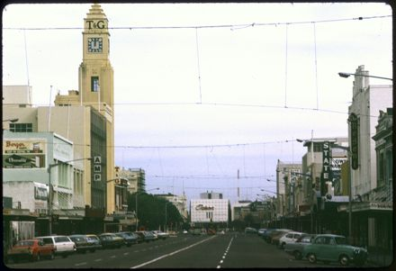 Looking Down Broadway Avenue Towards The Square