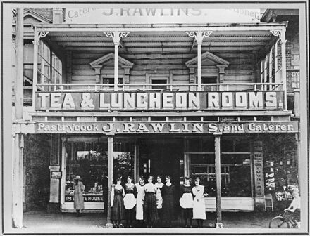J Rawlins Tea and Luncheon Rooms, The Square