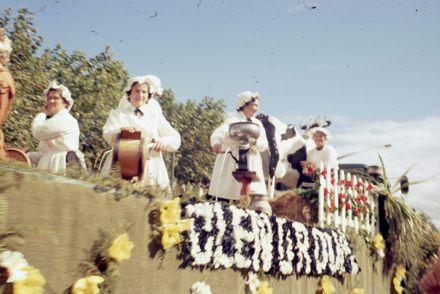 Centennial Parade - Glenoroua float