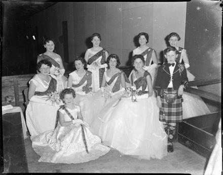 """Scottish Ball"" Debutantes Presented"