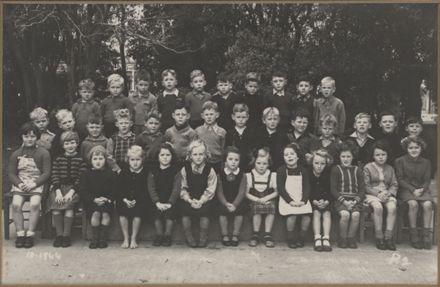 Terrace End School - Primer 2, 1944