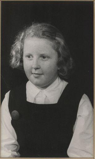 Dian Murray - Terrace End School Dux, 1949