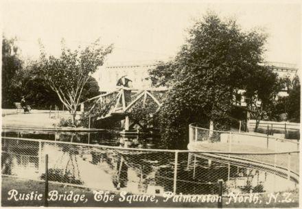 "Palmerston North Souvenir Photo Cards - ""Rustic Bridge, The Square"""