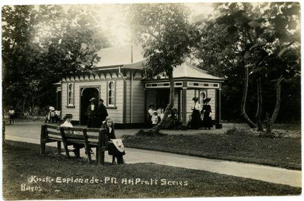 Tea kiosk, Victoria Esplanade 1