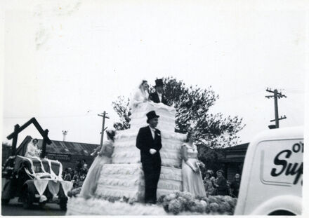 Wedding Cake Float - 1952 Jubilee Celebrations
