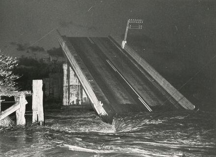 Collapsed Bulls bridge