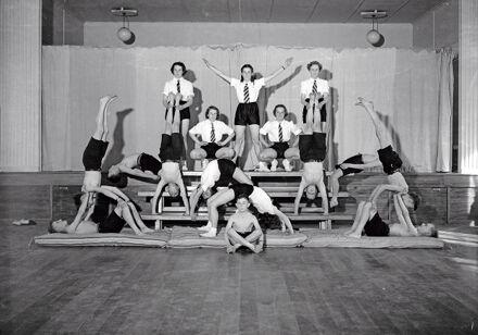 Palmerston North Intermediate School - Mixed Gymnastics Team