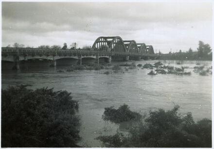 Manawatu River in Flood - Fitzherbert Bridge