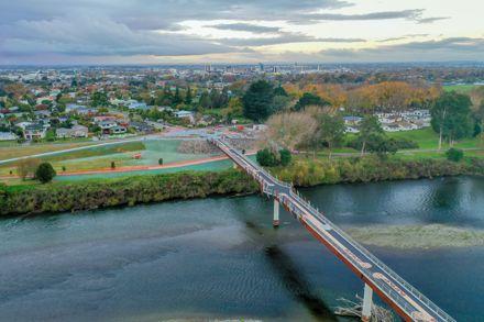 He Ara Kotahi Bridge