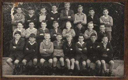 Terrace End School - Standard 4, 1933