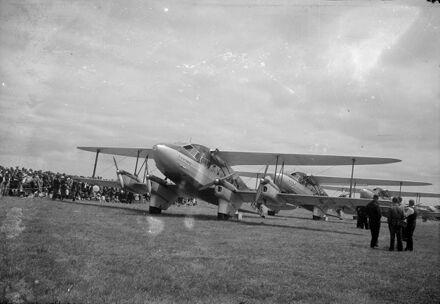 Fleet of  Union Airways aeroplanes, Milson Airport