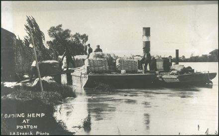 Loading Flax at Foxton