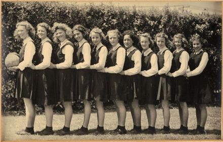 Palmerston North Technical School Netball F, 1945