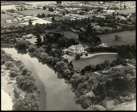 Oblique Aerial Photographs of Caccia Birch House, 1940 2