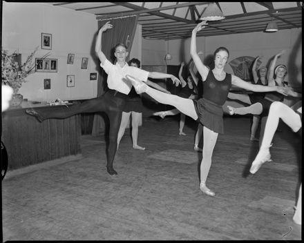 [Ballet Dancers at the Gwen Gibbs School of Dancing]