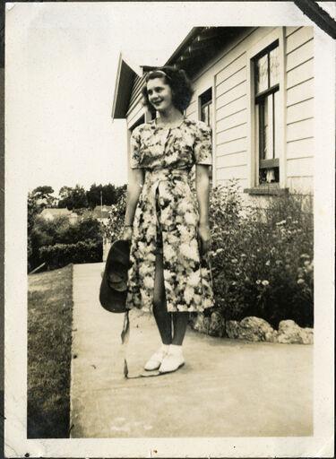 Joan Klee, Napier