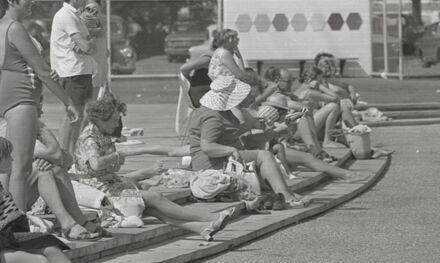 Spectators at the Lido Pool