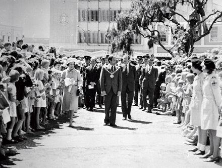Queen Elizabeth II with Mayor Brian Elwood