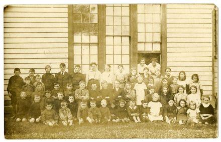 Newbury School students, circa 1915