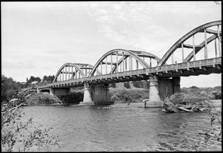 """Graceful Entrance to Manawatu City"" - Fitzherbert Bridge"