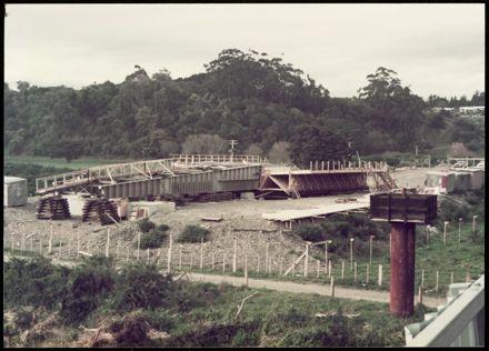 Construction of the Fitzherbert Bridge