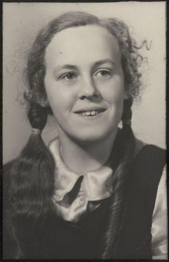 Margaret Ross  - Terrace End School Dux, 1939