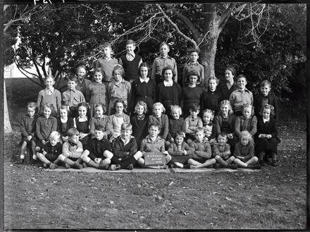 Class Photograph, Taikorea School