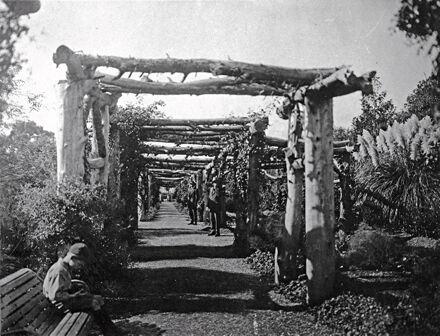 Pergola, Esplanade Gardens