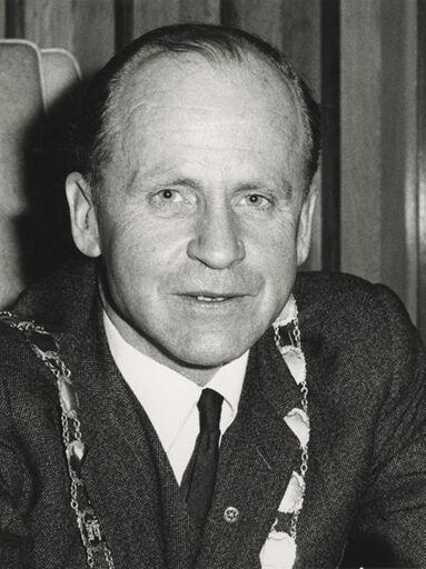 Demond Barry Black, Mayor