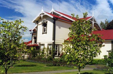 Caccia Birch House