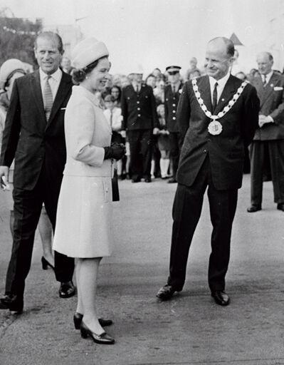 Queen Elizabeth II with Mayor Desmond Black