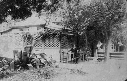 Tea kiosk, Victoria Esplanade