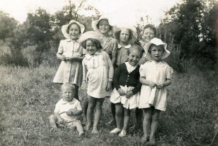 Patricia Hayes and friends, Waipawa