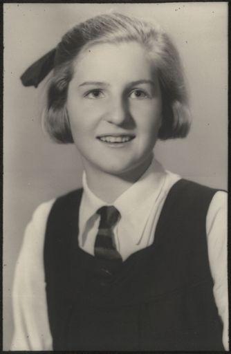 Leonie Pascoe - Terrace End School Dux, 1940