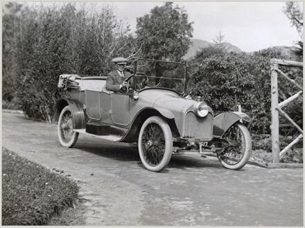 Arthur Akers in  car, Ashhurst district