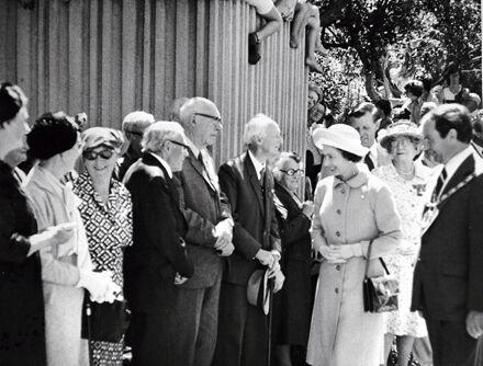 Queen Elizabeth II Greeting Palmerstonians