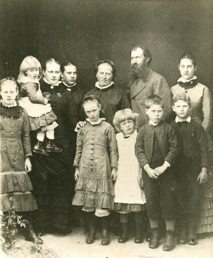 Gunder Gundersen and Family