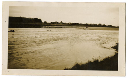 Andrews Collection: Manawatu River