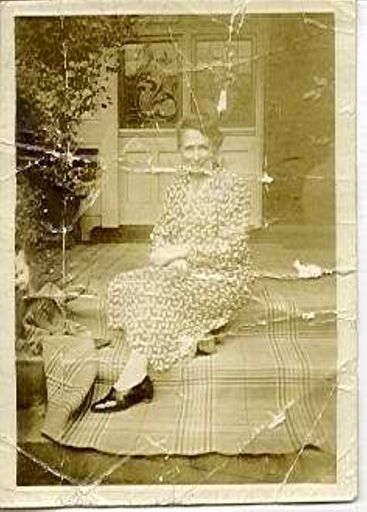 Mrs Maud Clark
