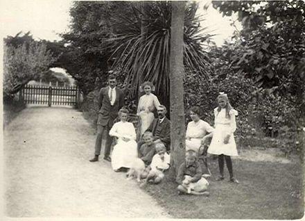 Gunning family, Bryce Street, Shannon, c.1912