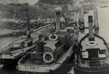 Steamers on Manawatu River c.1905