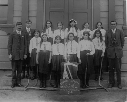 Foxton School Girls Hockey Team 1914