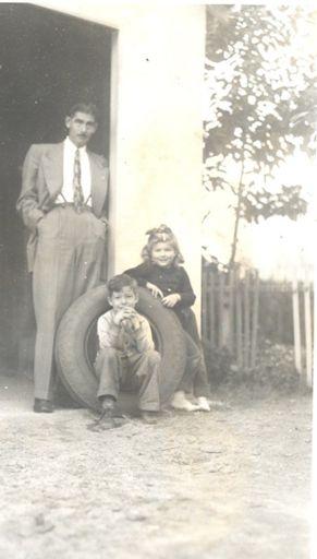 Malcolm , Loralee and Glen at Robertas, 1947.