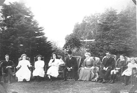 W.G. Adkin & Family, 1911