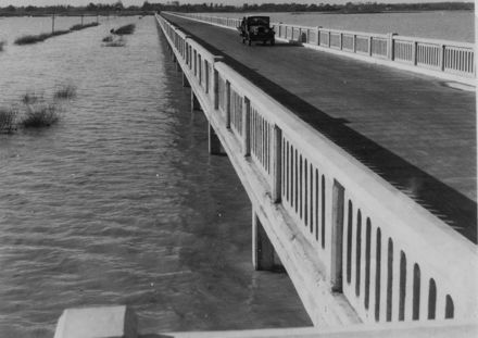 Whirokino Bridge and Flood, 1939