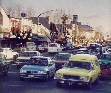 Oxford Street, Levin, 1990